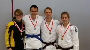 Text zur Foto: Die erfolgreichen Judokas (von links) Nathalie Briner, Fabio Loeff, Simon Knellwolf und Livia Knellwolf.